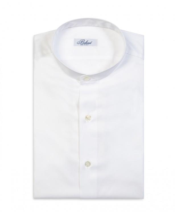 Camicia primaverile bianca con collo...