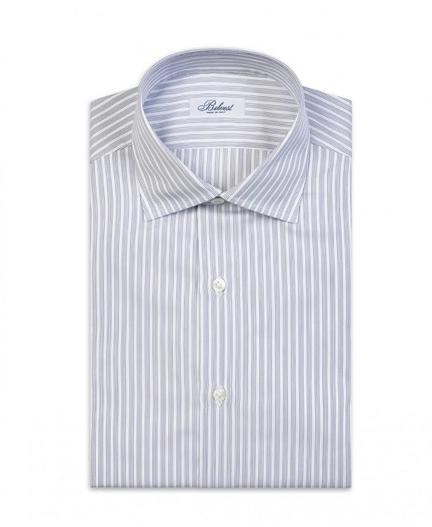 Camicia estiva bianca con righe blu...